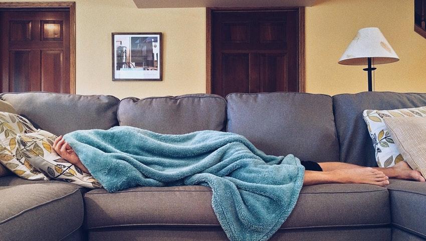 Příjem na nemocenské může být až o polovinu nižší než v pracovním životě. Dorovnat ho může právě životní pojištění.