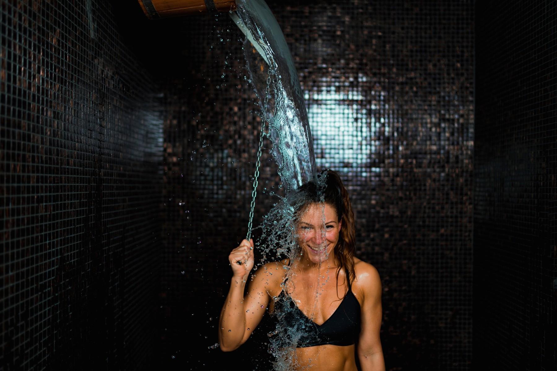 Sauna je pro tělo kardiovaskulární cvičení, stoupne vám tep, spalují se kalorie.