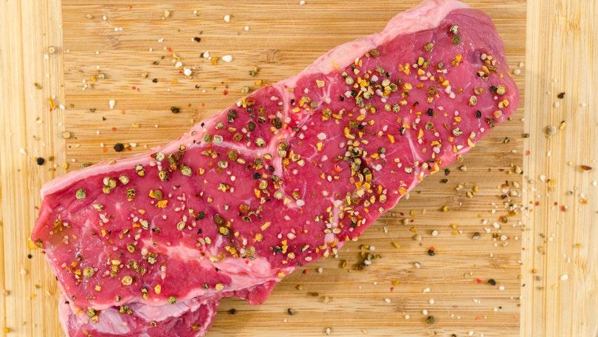 každé dietě by proto mělo zůstat alespoň 0,5 g bílkovin na 1 kg vaší ideální hmotnosti.
