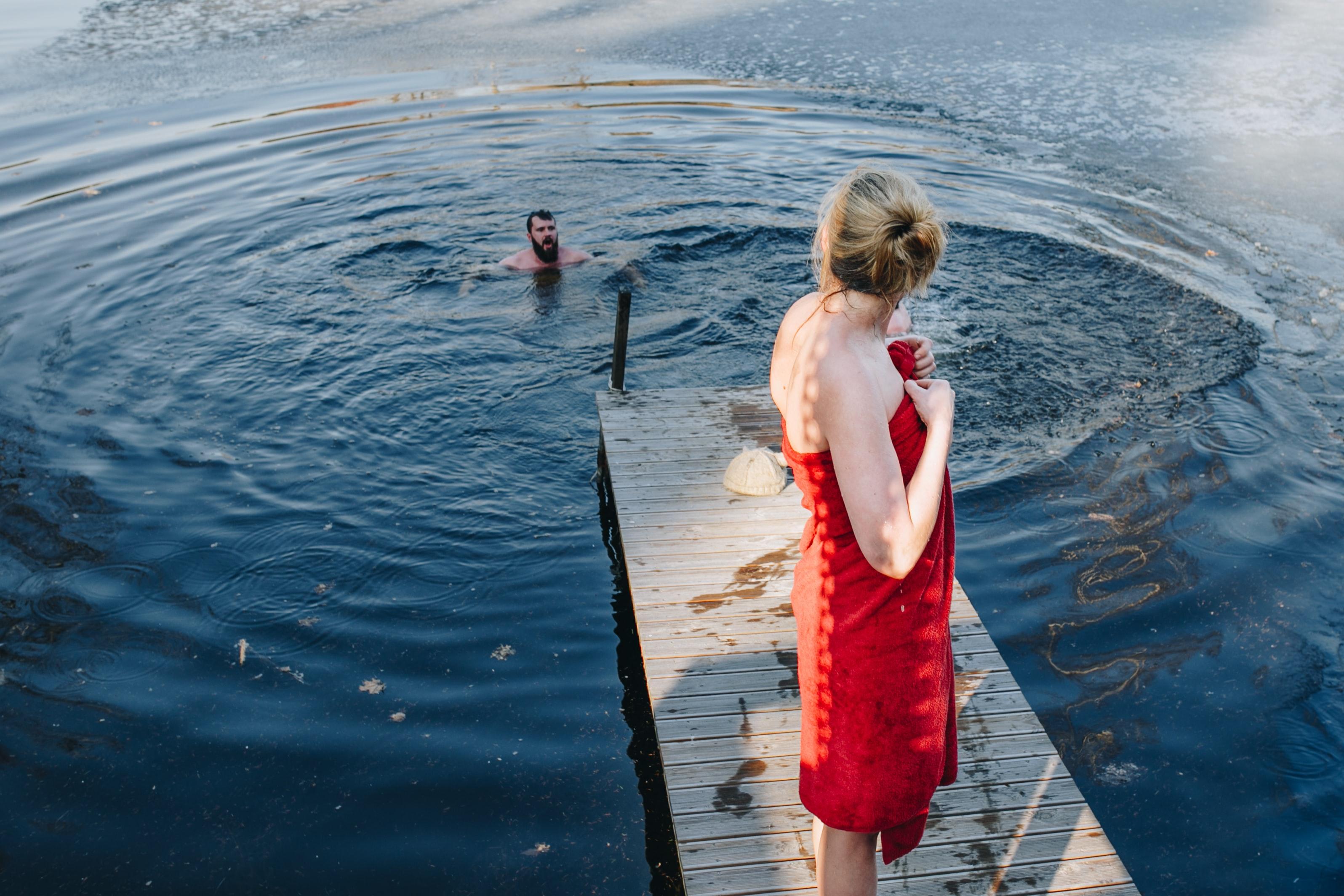 otužování, Wim Hof, koupání v ledové vodě